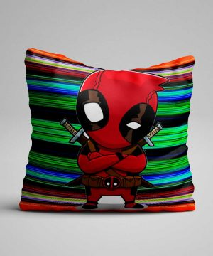 Cojín de deadpool animado serio